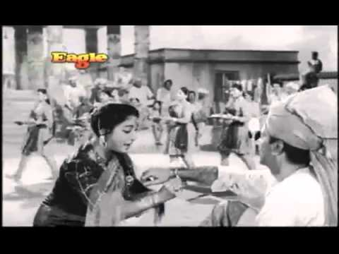 Rang Birangi Rakhi Leke Aayi Behna (रंग बिरंगी रखी लेके आई बहना) Lyrics- Anpadh | Lata Mangeshkar